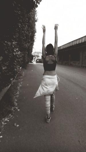 Ig_bnw #blackandwhite #instabnw #couple #bnw #instablackandwhite #funtimes #goodtimes #bw #gorgeous #awesomeweekend #girl #happiness #summer #loves_fashion #bnwitalia #bnw_europe #bnwitalian #bnw_emiliaromagna #bnw_life #loves_bnw #monocrome #boat #bnw_ro Blac&white