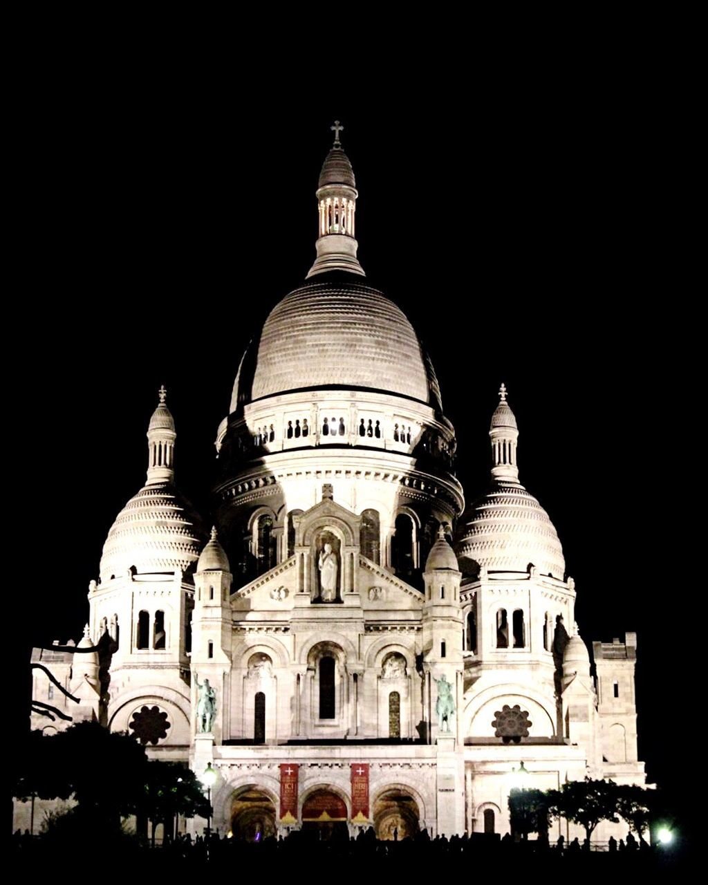 dome, architecture, religion, place of worship, building exterior, spirituality, built structure, travel destinations, tourism, travel, outdoors, facade, night, low angle view, large group of people, clear sky, sky, people