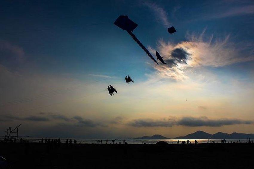 하늘이 바다가 되고. 부산출사지 부산가볼만한곳 부산다대포 부산 부산여행 다대포 다대포바다미술제 부산바다미술제 바다미술제 바다 부산바다 부산출사 풍경 하늘 부산하늘 포토그래퍼 빈카메라 DSLR Eos650d Canon Korea Busan Pusan