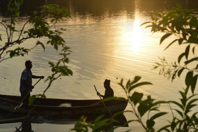 Silhouette Lake Outdoors Nature Two People Sunlight Sunset Rowing Kayak Water Fishetmen