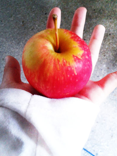Apple. ??