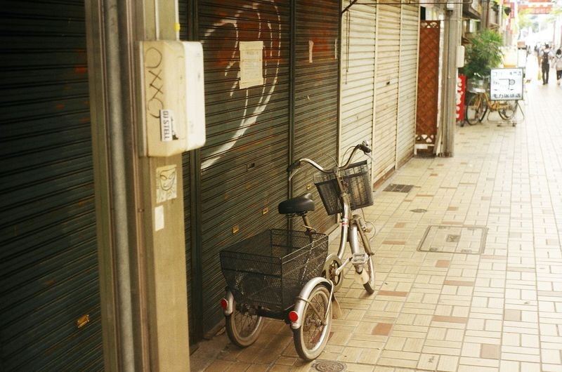 Japan Shopping Street Shutter Tricycle Snapshot 商店街 大須 スナップ写真