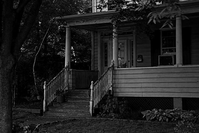 Old house. Old House AmericanHouse EyeEm Best Shots Eye4photography  EyeEm Photography Photoville Photovillenyc Photovogue