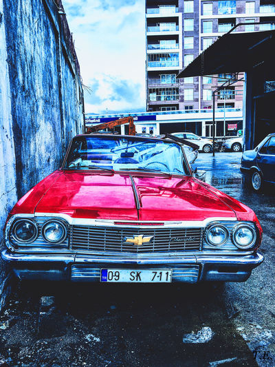 Photographic Memory Check This Out Chevrolet Impala CHEVROLET IMPALA Old Old Car Classic Classic Car Red Red Car Izmir Turkey EyeEmBestPics Streetohotography Traveling