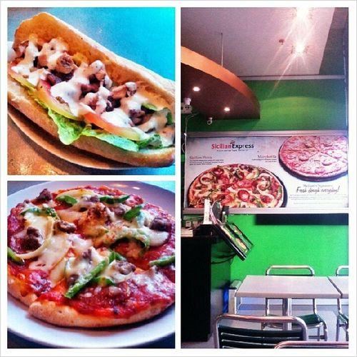 I love their pizza. Sooooo yummy! TheSicilianPizza at Mckinley Hill. This was yesterday though. Ginugutom ko lang kayo. Wag na kayo mag diet hahaha!