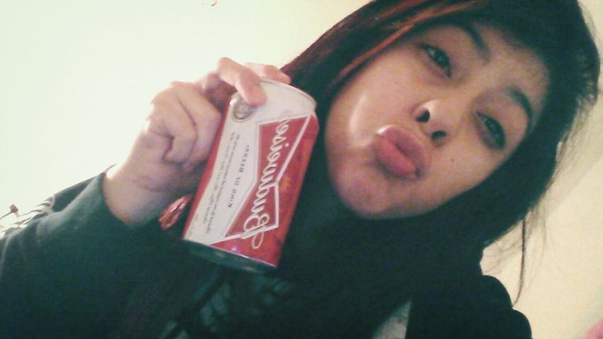 the other day TheOtherDay Drinking Beer Budweiser Ducklipssss❤