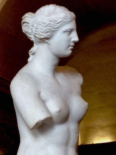 Back at the Louvre today EyeemArtLover Eyeem Art Art Gallery Art France Paris Louvre Michaelangelo Venus De Milo History