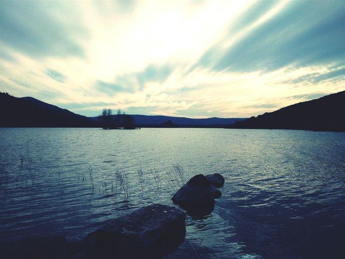 Lac Calme Village Fantome Lac Du Salagou Sablerouge