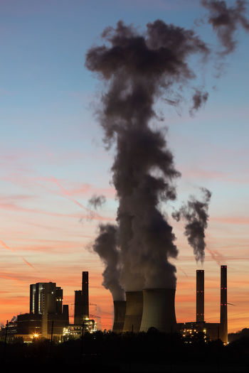 Air Pollution Atmospheric Building Exterior Built Structure Chimney Cloud - Sky Cooling Tower Ecosystem  Emitting Environment Environmental Issues Factory Fuel And Power Generation Fumes Industry Nature No People Outdoors Pollution Rwe Sky Smoke Smoke - Physical Structure Smoke Stack Umwelt