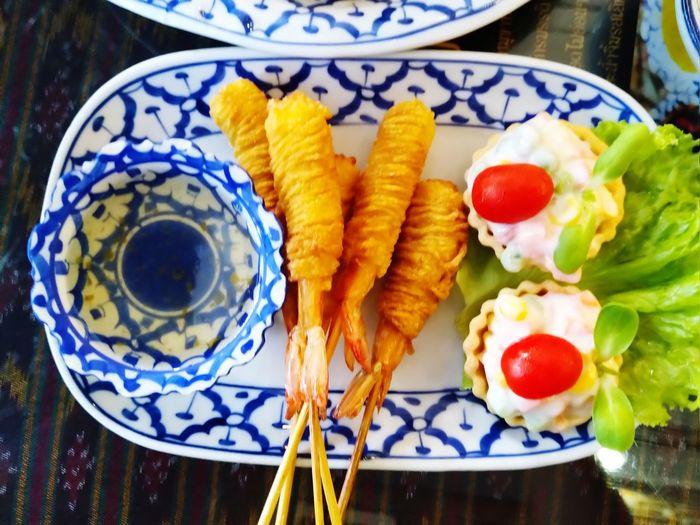 fried shrimp in noodles Thai Food Kitchen Cruisine Food Eat Shrimp Plate Close-up Food And Drink