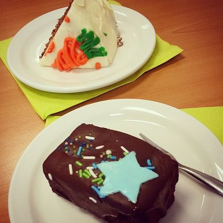 Heerlijk taartje na een super lekker lunch met @j.loftus_x Lunch Cake Taartje Jammie