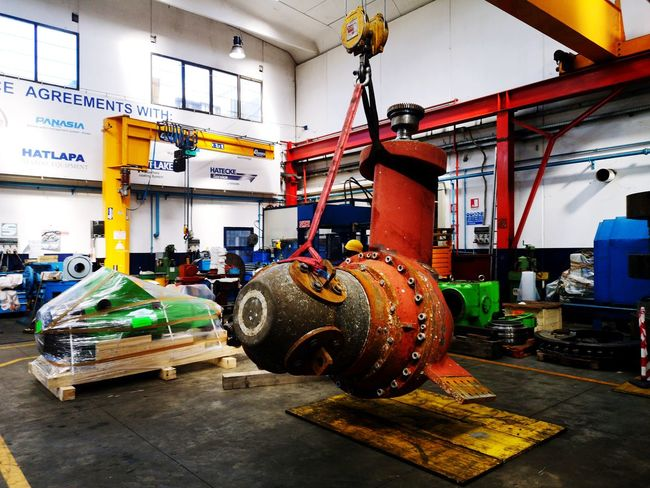At work Bow Thruster Tire Metal Industry Occupational Safety And Health Workshop Manufacturing Equipment Factory Repair Shop Manufacturing Occupation