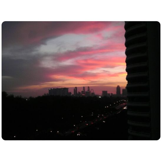 GetYourGuide Cityscapes Weather Pro  Sunset Singapore Flyer