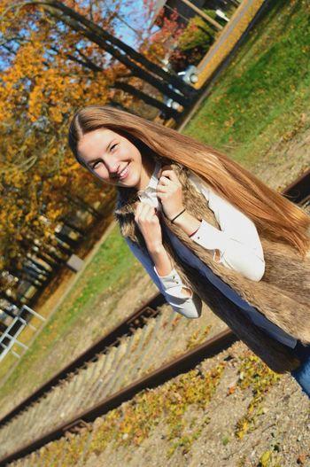 A little autumn photo session🍁 Nikon D3200 Photography People Autumn Colors