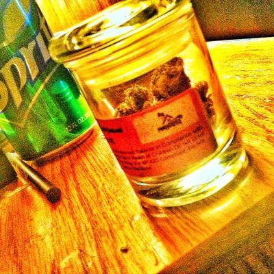 Bout to start my Night Kush Sprite Ganja herbistayhighhighlifestaysmokingherb420marijuanamaryjanebluntswrapsheblessweedmaddnessstoners