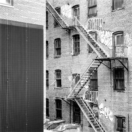 New York City streets NYC New York Earth Trek Travelblogger Fine Art Photography Streetphotography Black & White Streetphoto_bw B&w Street Photography Battle Of The Cities