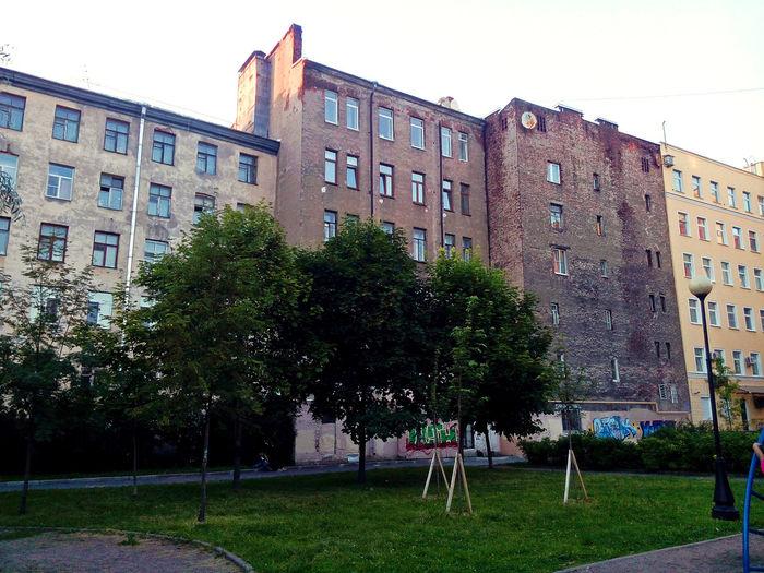 Building Exterior Architecture City Outdoors Tree Day Самый лучший город City Russia St.petersburg Питер Санкт-Петербург двор