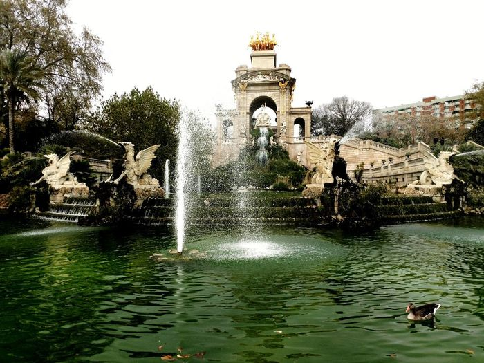Water Fountain Outdoors Architecture No People Walking Around Streetphotography Travel Destinations City Life SPAIN Turistic Places Cidadela Barcelona Gold Gods Day History