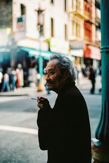 Streetportrait Smoker Streetphotography Chinatown Sanfrancisco City Life Old Man