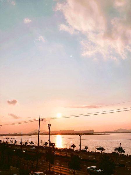Riverside Photography おしゃれなみせ 珈琲屋 黄昏 釜山日和 釜山 Busan,Korea Coffee Shop Roof Top View  Visang Sunday Sunset Seawall Winter Sky Sea Silhouette Water Nature No People