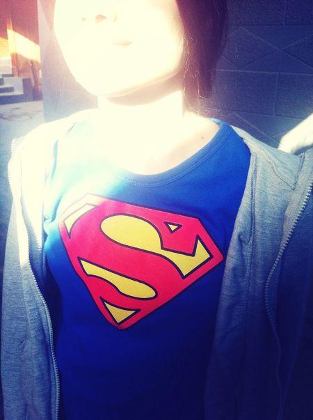 Она жаждет спасти мир но пока дело закончилось спасением кошки)) Hello World Super Hero Super Woman Smile