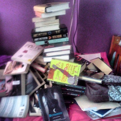 Its not like I have a problem or anything....Sooomanybooks Lifeof Abookworm Books book bookworm Problem notreally ohwell iloveit