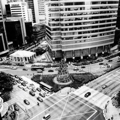 Metropolis Singapore Singapore Streetphotography Streetphoto_bw Blackandwhite Photography Blackandwhite Black And White