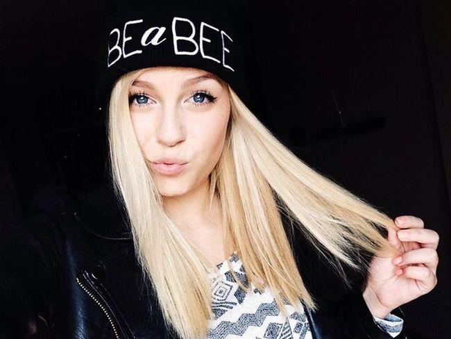 Dagibee Youtube Best YouTuber Ever Loving Her