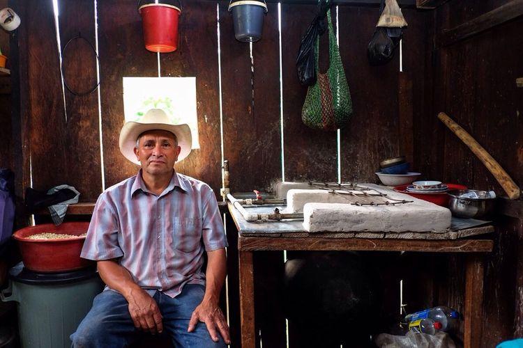 Comparto una de las imágenes que pertenecen al trabajo realizado en Nicaragua. Comunidad el Volcán de Yali Finca la Misericordia. Don Rigoberto Mendoza Yalí, Jinotega - Nicaragua 2014 Cuando el cliente le de uso a las imágenes podrán ver el resto del trabajo en mi website y redes sociales. Assignments Photography Fujifilm Nicaragua