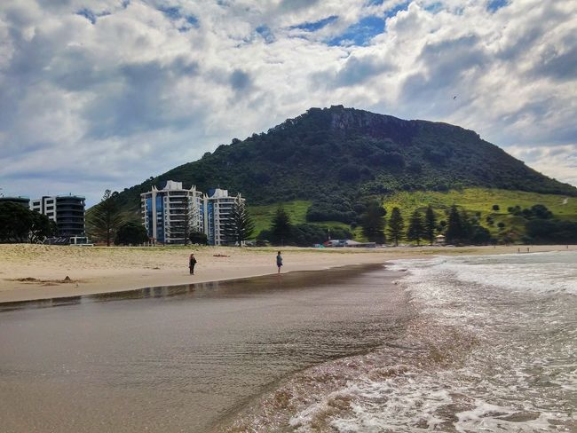 https://youtu.be/nSz16ngdsG0 Volcano Scenic Bay Of Plenty Region Tauranga 2016 Showcase: February Cloud - Sky Surf's Up Mount Maunganui New Zealand North Island Outdoors Sea Afternoon City Buildings & Sky Vacations Colour Image Leisure Activity People Watching Surf Beach Photography Ocean Summer Paragliding