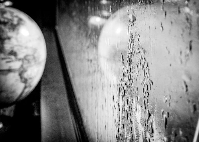 Water Close-up Raining Outside Weather From My Office Office Art From My Desk Puerto Rico Caribbean Life Globe Window Reflection Taking Photos
