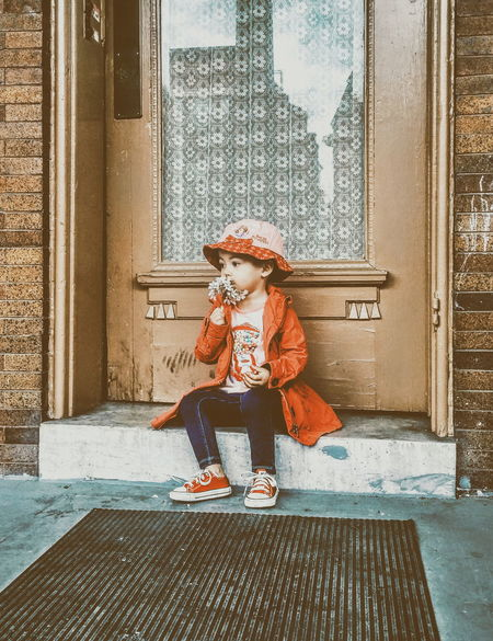 Doody First Eyeem Photo Adventure Chuck Taylors Flowers Big Heart❤ Cute Kid Poses Little Girl