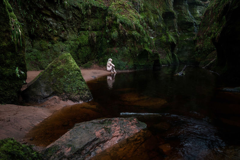 The Mystery of Scotland II Devils Pulpit Canon 10-18mm Wide Angle Outdoors Schottland Scotland Canon EOS 750D Fine Art Photography Female Bodylanguage Sensual_woman Art Blonde Travelling Traveller Newoneyeem Naturelovers Nature Brownwater Water Forest Sky Landscape Moss Lake Stream - Flowing Water