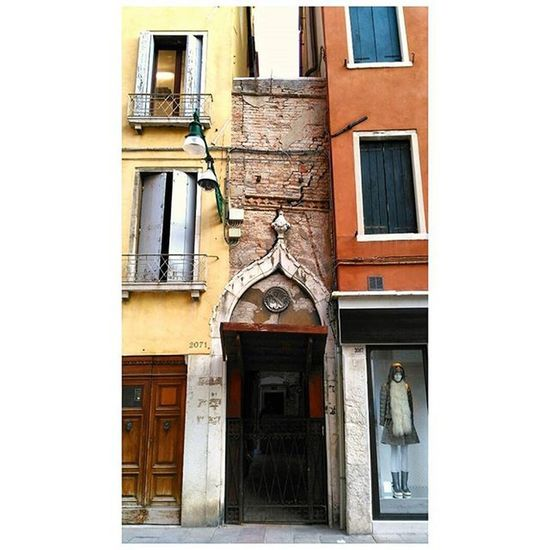 Dettagli di Venezia Calle Palazzi Dadagoestovenezia