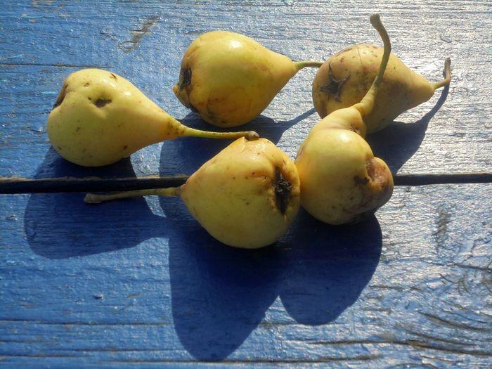 Blye Food Fruit Nature Pears Summer Wood - Material Yellow