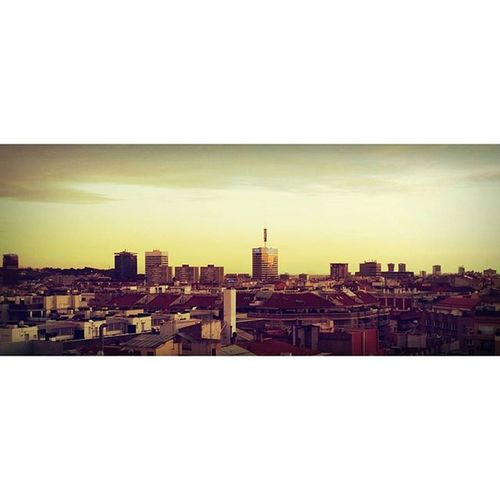 Atardecer en Barcelona Bcnisdifferent Desdeunaventana Instamoment
