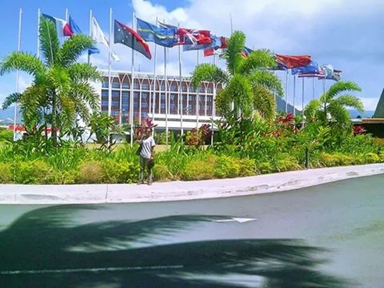 I get an extra sense of pride when I'm abroad and I come across a symbol of my country --what can I say? I'm a hopeless patriot x) Hehe! This was in Apia recently Samoa  Papua New Guinea Travelling Flags