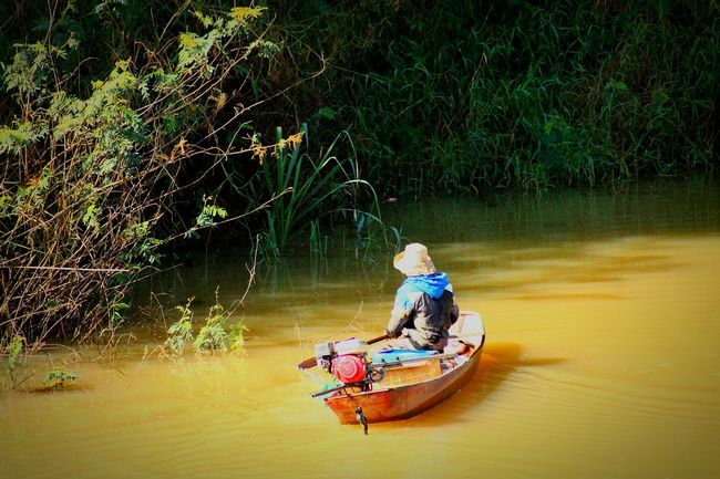 Boatman Boat Ride Life In The River Asialife Traveler Travel Photo Check This Out People People Watching Feel The Journey Hoian, Vietnam Travel People_and_world Transportation