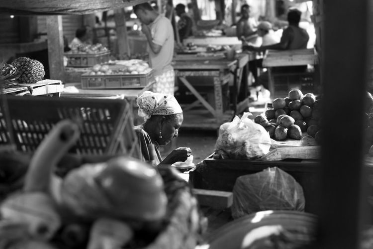 Bnw_captures Bnw_collection Bnw_friday_eyeemchallenge Bnw_life Bnw_planet Bnw_society Buying Cartagena, Colombia Choice Colombia Colombia ♥  Day Food Food And Drink For Sale Freshness Healthy Eating Indoors  Market Market Stall One Person People Real People Retail  Vegetable