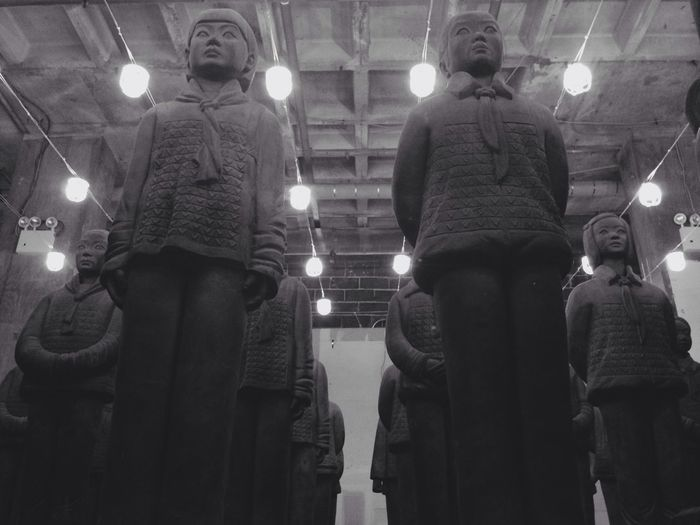 Artist Prune Nourry's - Terracotta Daughters Fantastic Exhibition Discovering Great Works Taking Photos Iphone 5