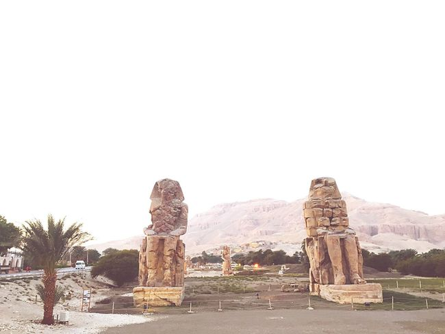 PhArAOhs ⚱️ Egypt Pharaoh Luxor Ancient Travel Destinations Travel Ancient Civilization History Old Ruin Statue Sculpture Ancient History Architecture Cultures Ägypten  Globetrotter Wonderful Wonderfulworld Vacations Evening Sunset Nature Photo Photooftheday Photography EyeEm Diversity Break The Mold TCPM