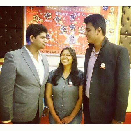 Quirky president wid two serious pillars 😉 Rotary Installation Thane Central Rctc Rotaract Club RID3140 Mumbai VP President Saa @rcthanecentral Friends Tagsforlikes Instagood Igers Friendship Party Photooftheday Live Forever Smile Awesome Memories GoodTimes