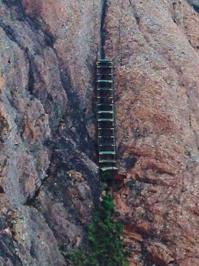 Escaleras Sendero montaña