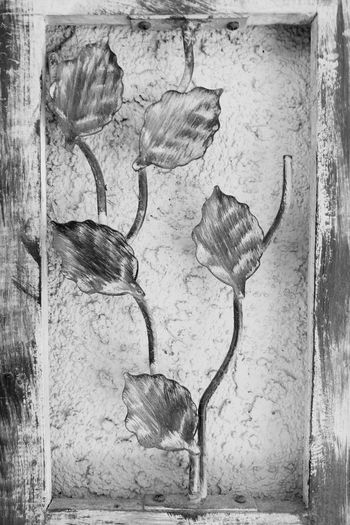 Metal Leaves No People Day Close-up Display Leaves Leaves And Branches Wall Wall Hanging Desktop Boarder Art Is Everywhere Abstract Photography B&w Black & White Black And White Shadow Back And White Photography Black&white B&W Art Abstract Design Abstract Art Oakstrails Photos The Oakstrails Photos The Oakstrails Black And White Friday