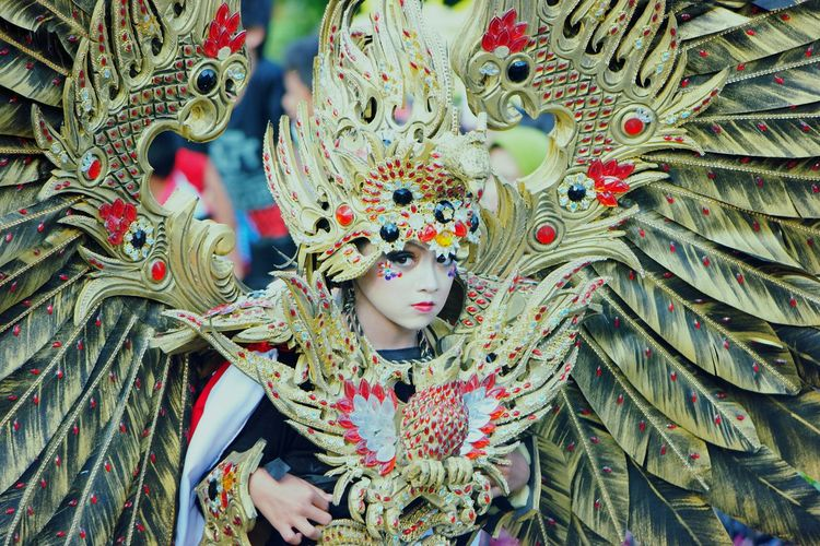 Capture The Moment Human Interest Jember Fashion Carnival Two Is Better Than One