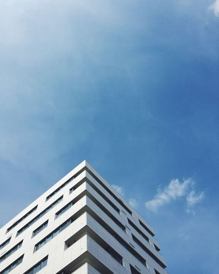 Architectural Style Architecture Blue Sky Building Exterior City Day London London Architecture Looking Up Low Angle View Minimal Minimalism Modern Modern Architecture Modern Building No People Outdoors Sky The Architect - 2017 EyeEm Awards