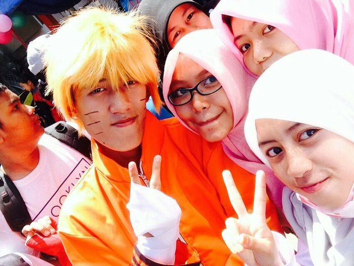 Enjoying Life Jalan Santai Cosplay