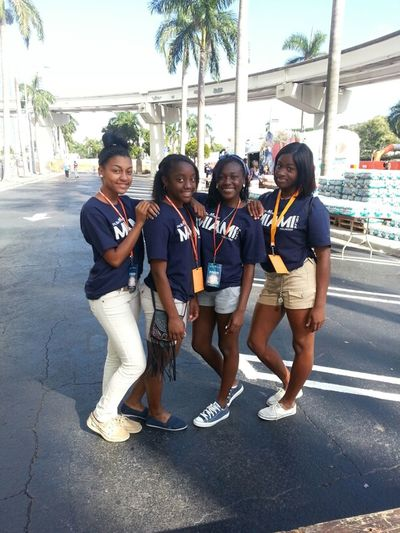 Miami Northwestern Track team Volunteer at ING Marathon....