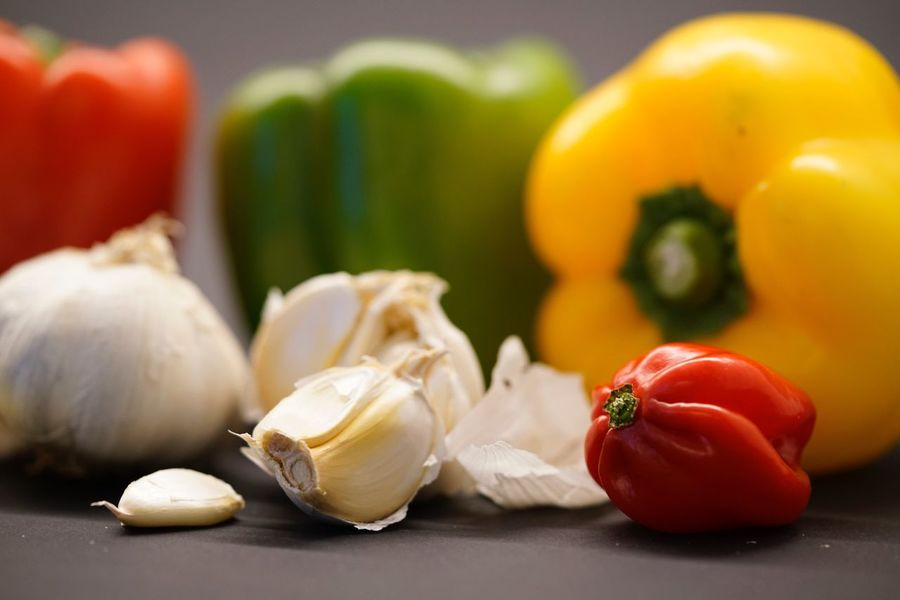 Food And Drink Food Garlic Vegetable Freshness Healthy Eating Still Life Garlic Bulb Table Indoors  Raw Food No People Ingredient Close-up Day