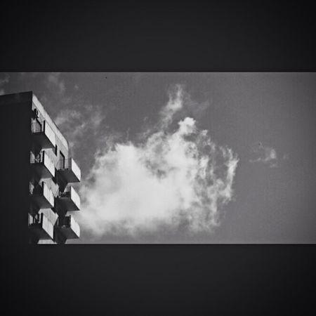 La Nube y el Edificio